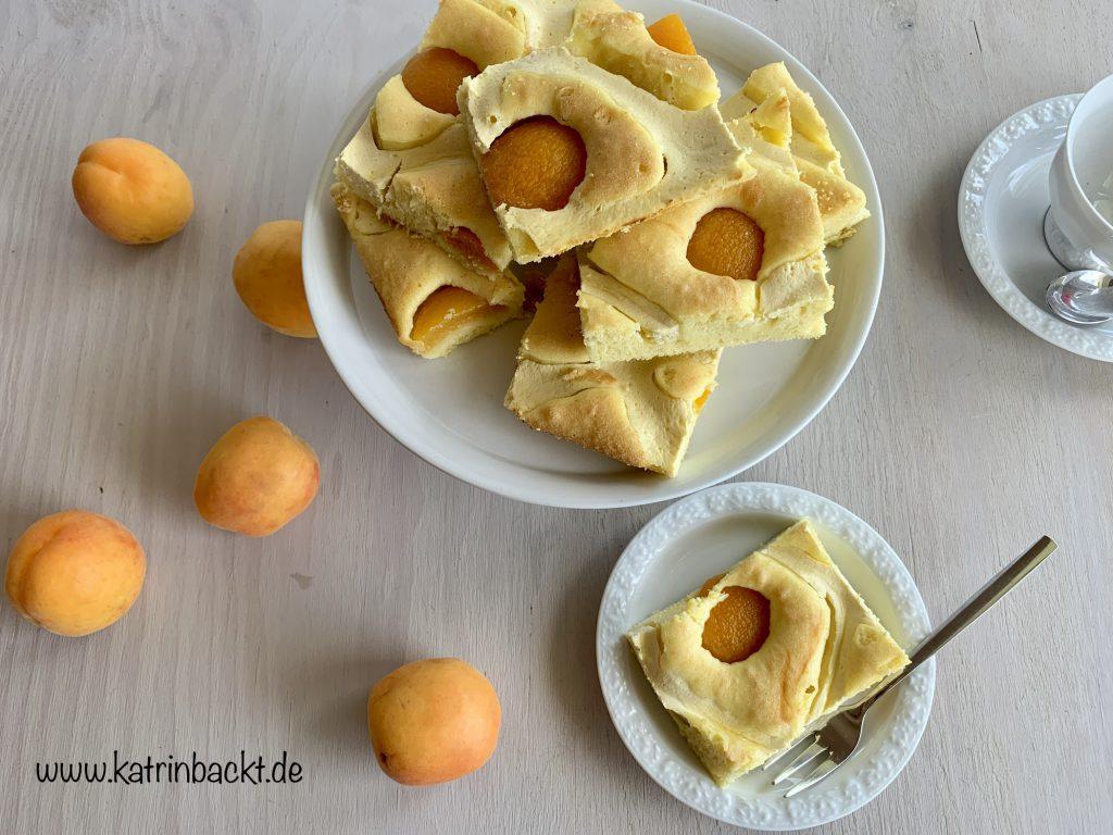 Gitterkuchen mit Aprikosen